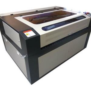 Equipamento a laser de corte e gravação